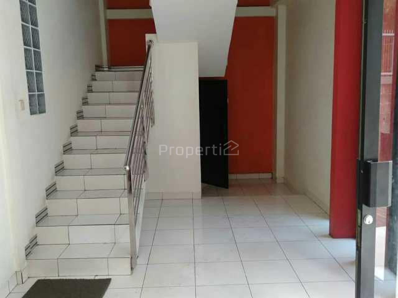 Bangunan 2 Lantai Strategis di Pinggir Jalan Utama, Rancabolang, Jawa Barat