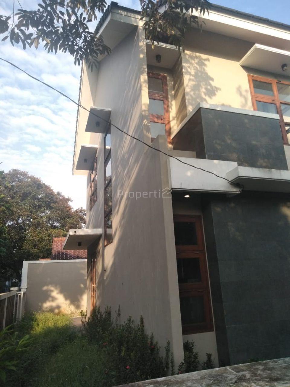 Rumah Baru 2 Lantai Posisi Hook di Bintaro, Pondok Aren