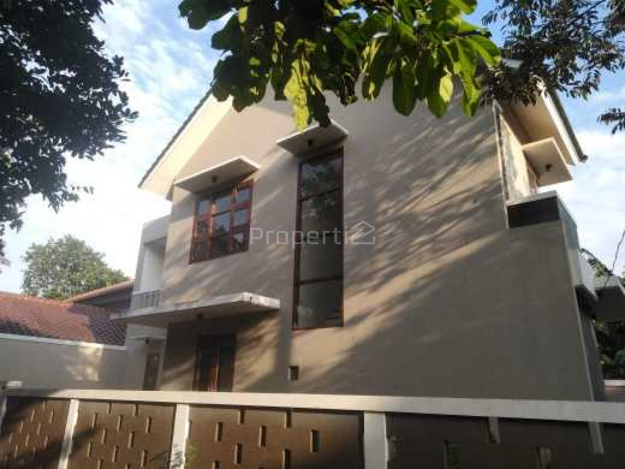 Rumah Baru 2 Lantai Posisi Hook di Bintaro, Banten