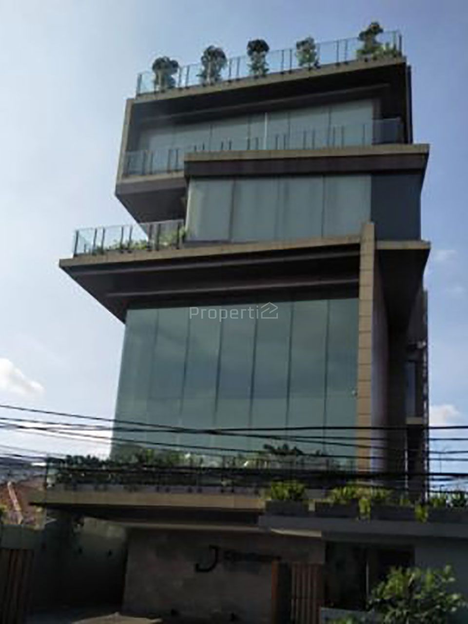 Strategic Building in Menteng, Central Jakarta, DKI Jakarta