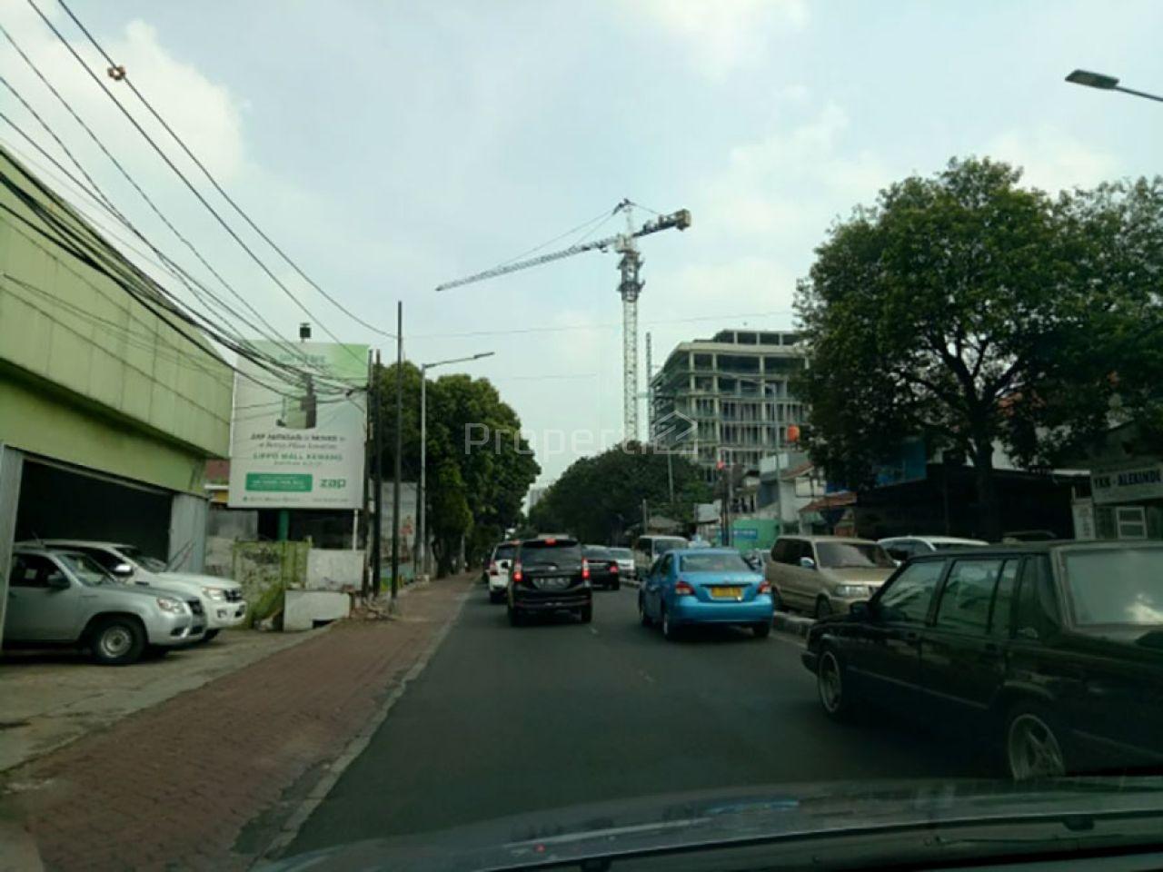 Gedung Unfinished di Cilandak Barat, DKI Jakarta