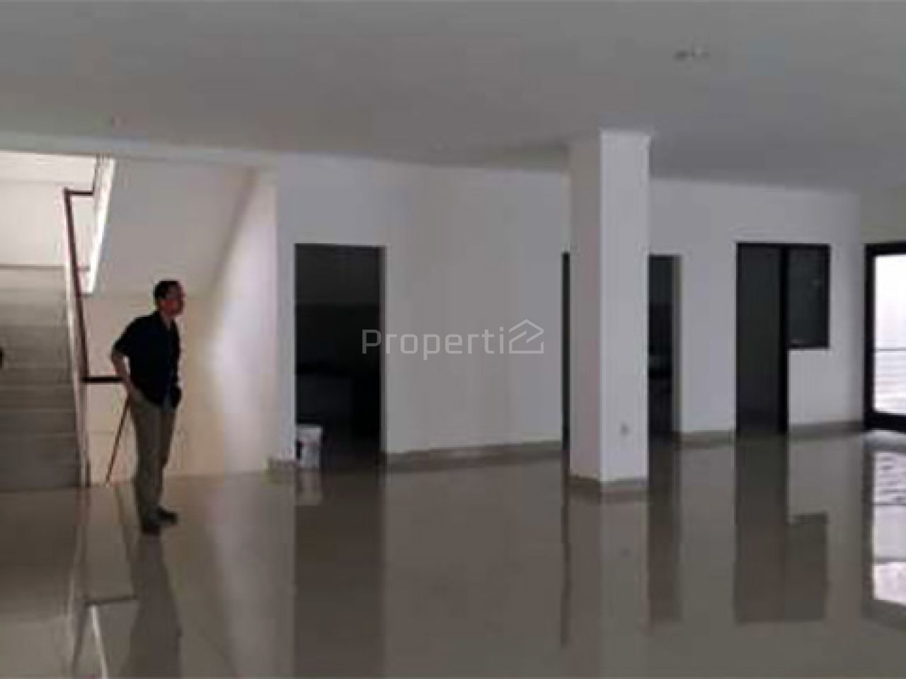 Gedung 3,5 Lantai Strategis di Cilandak, Jakarta Selatan