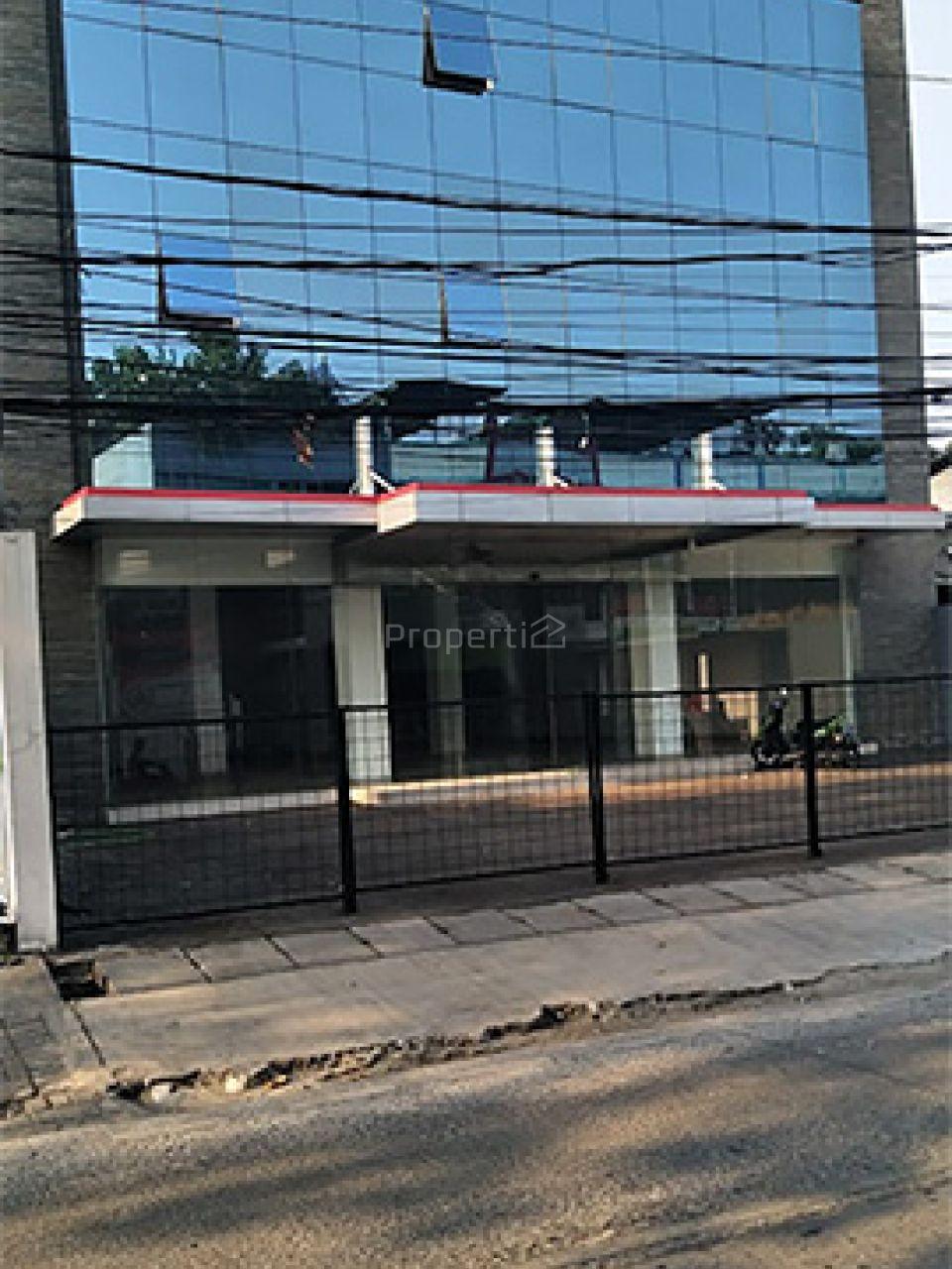 Gedung 3,5 Lantai Strategis di Cilandak, DKI Jakarta