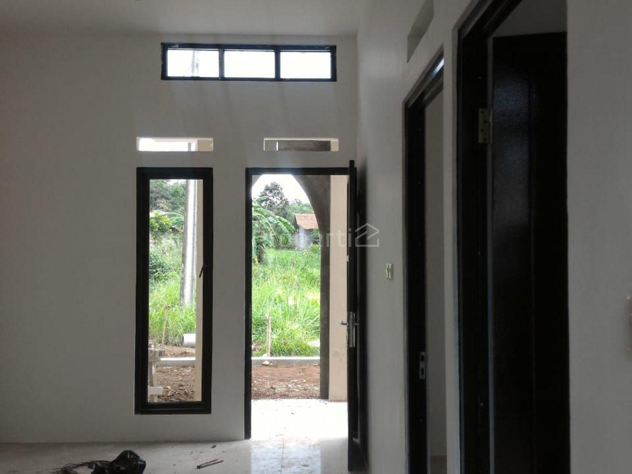 Rumah Minimalis Baru, Strategis di Bojonggede, Jawa Barat