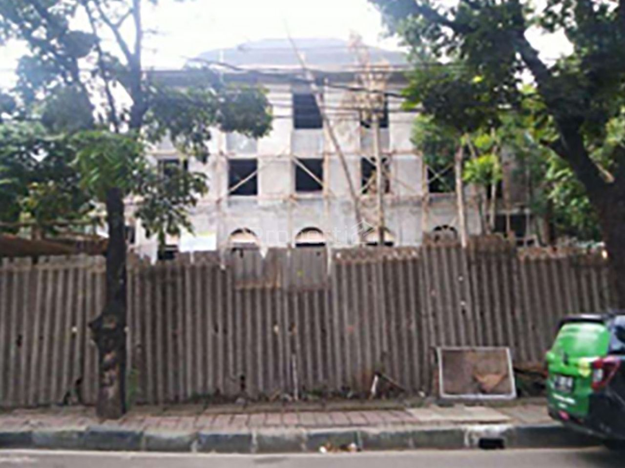 Land and Commercial Building Investment in North Meruya, DKI Jakarta