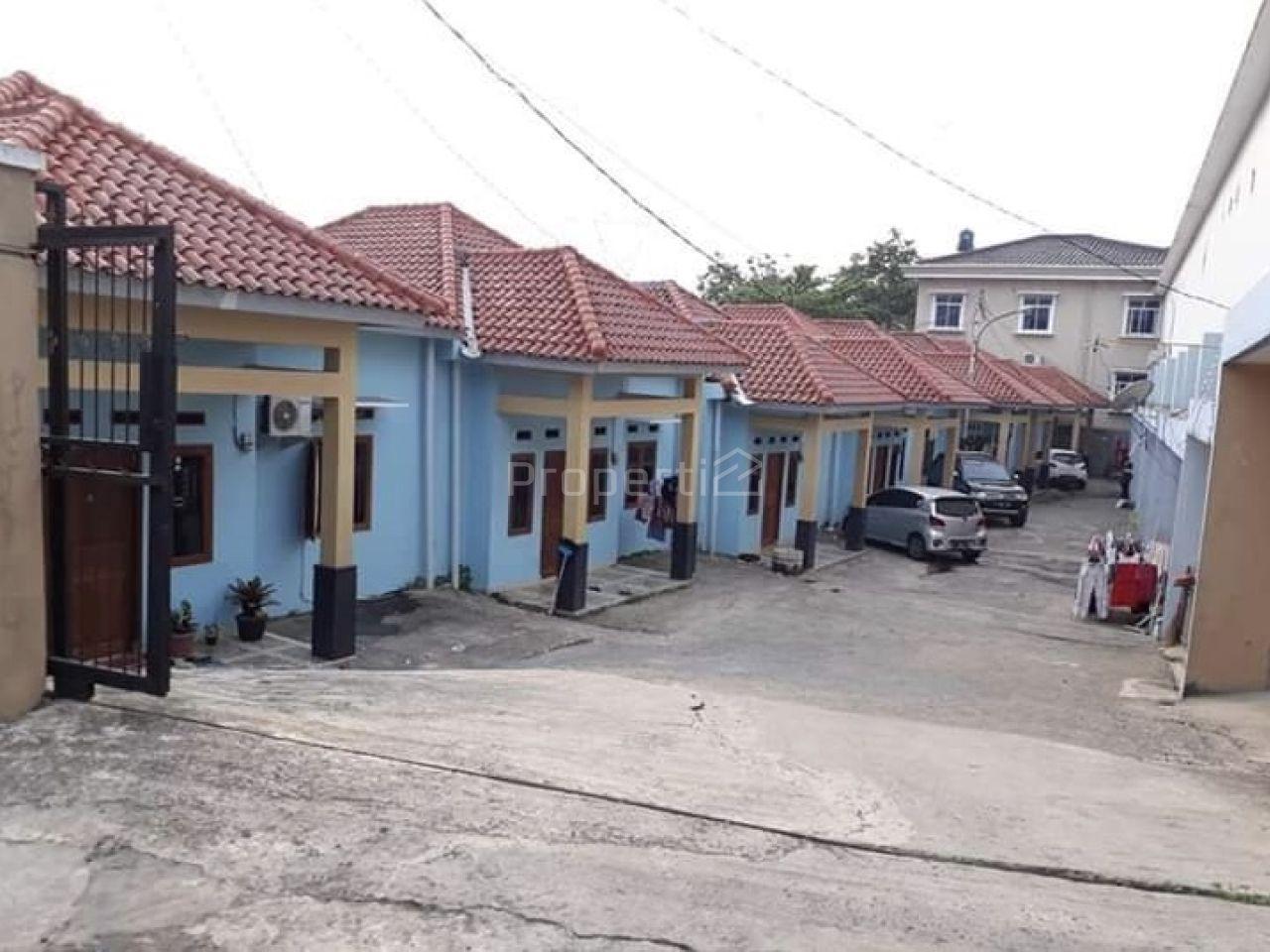 Lahan dan Bangunan Luas di Kademangan, Banten
