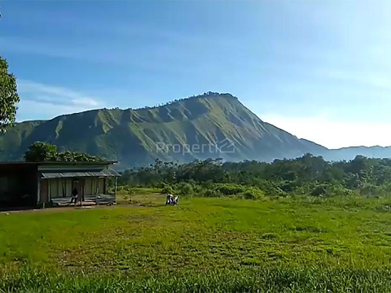Lahan dengan Pemandangan Alam di Lombok Timur, Nusa Tenggara Barat