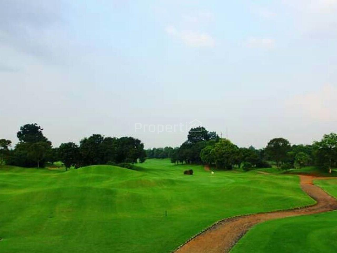 Lahan Luas di Golf Matoa, Cipedak, DKI Jakarta