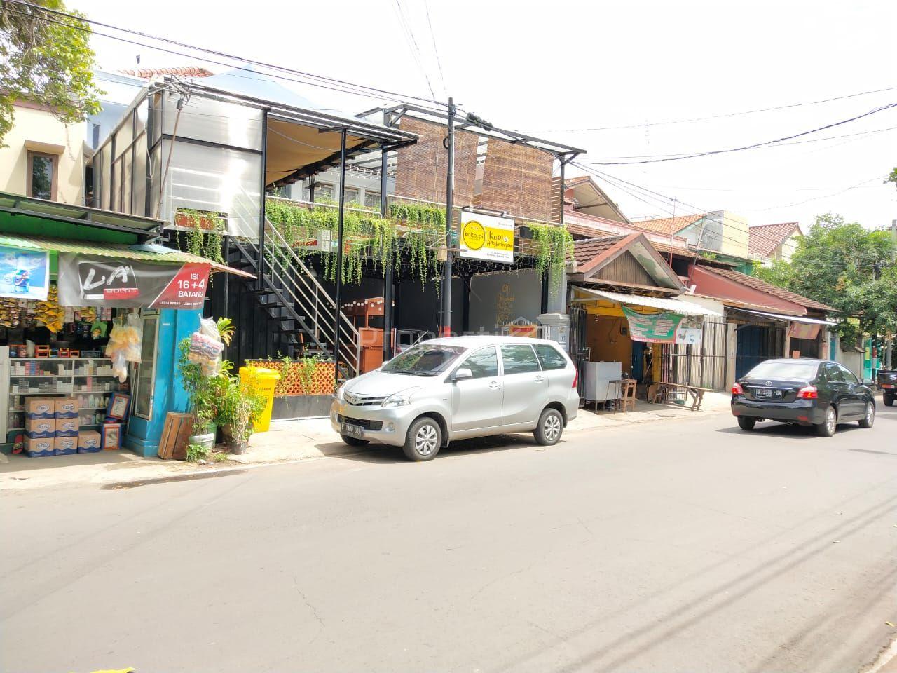 Rumah Kost dan Cafe di Cempaka Putih, DKI Jakarta