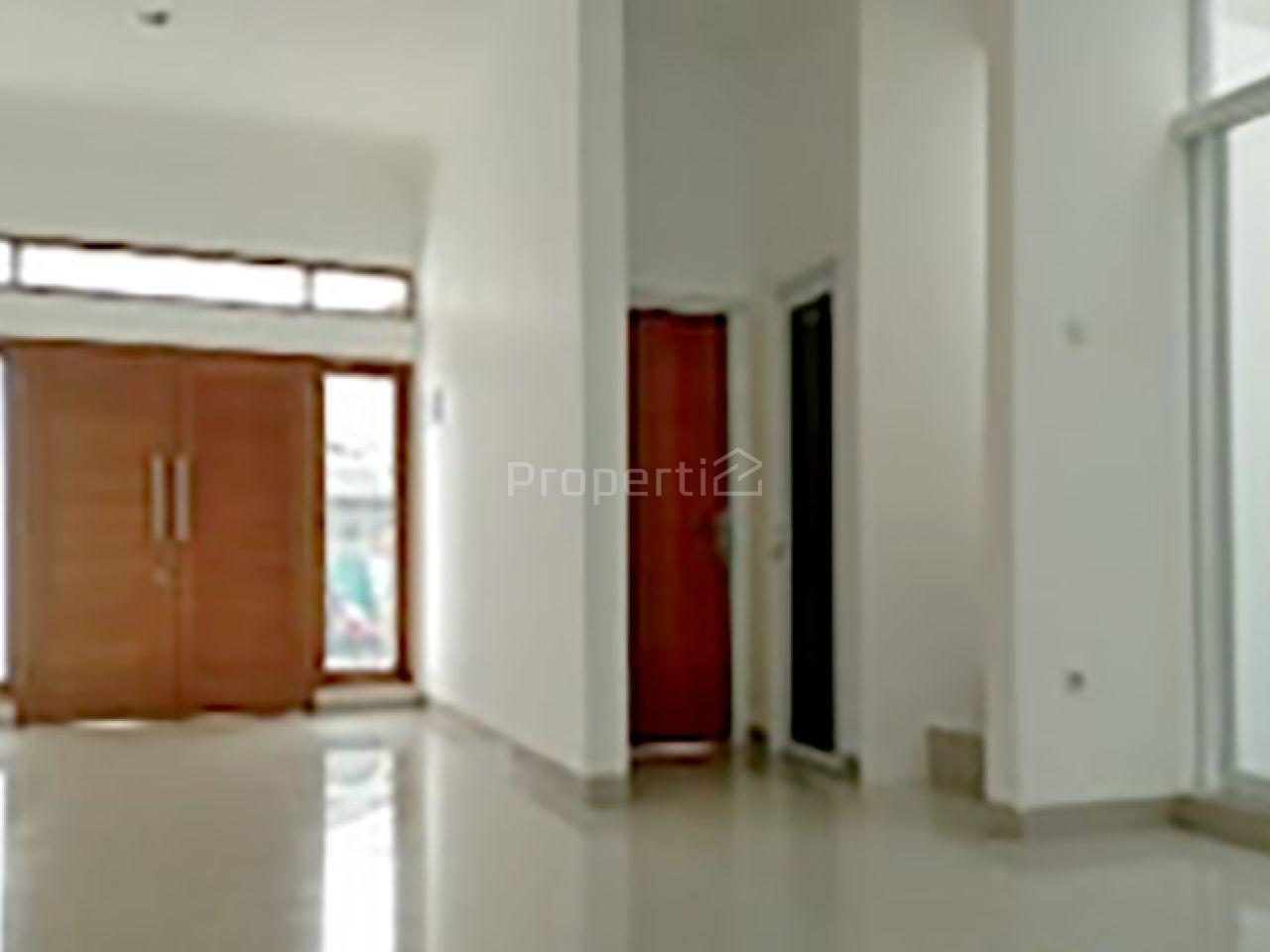 Rumah Baru Minimalis dan Strategis di Tebet Barat, Jakarta Selatan