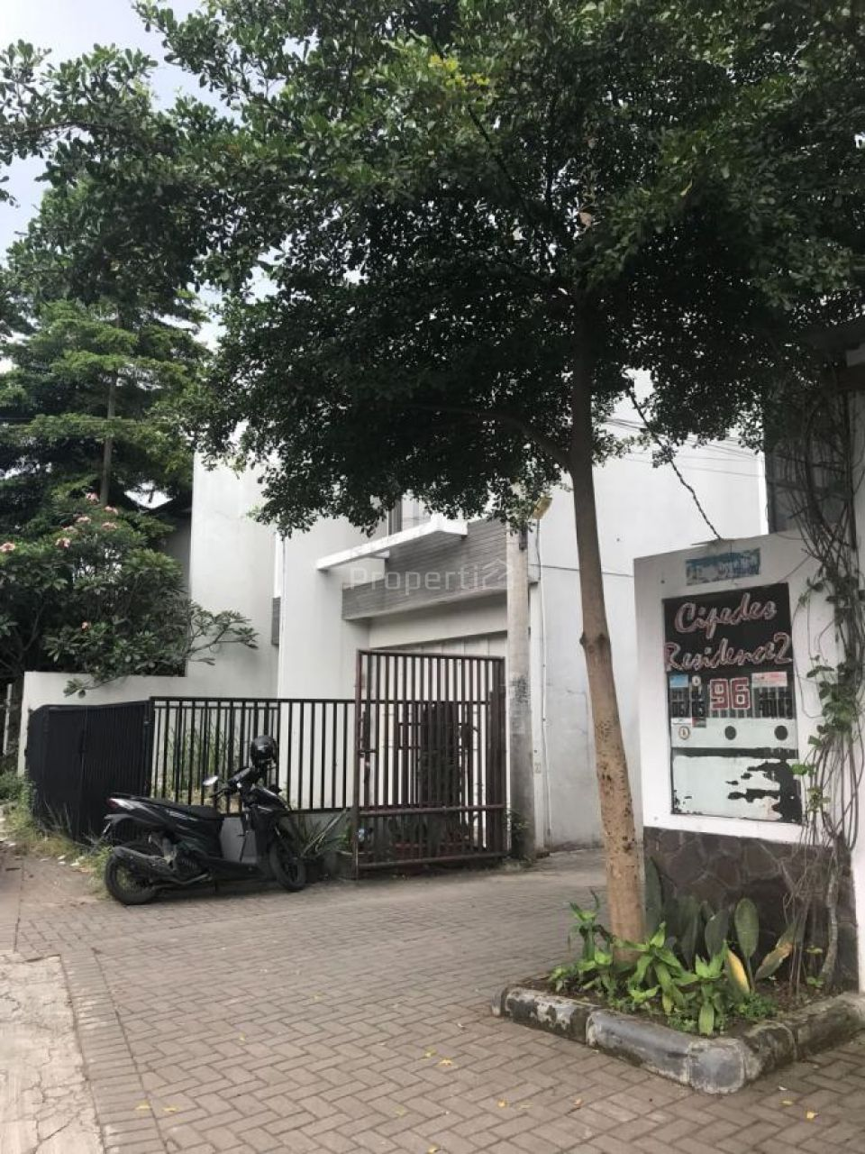 2 Storey Shophouse at Jl. Cipedes Tengah, Bandung City, Kota Bandung