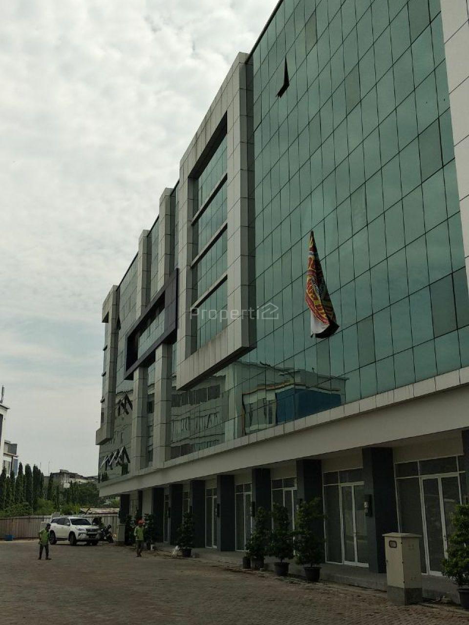 Ruko Kawasan Pusat Bisnis di Pantai Indah Kapuk, Jakarta Utara