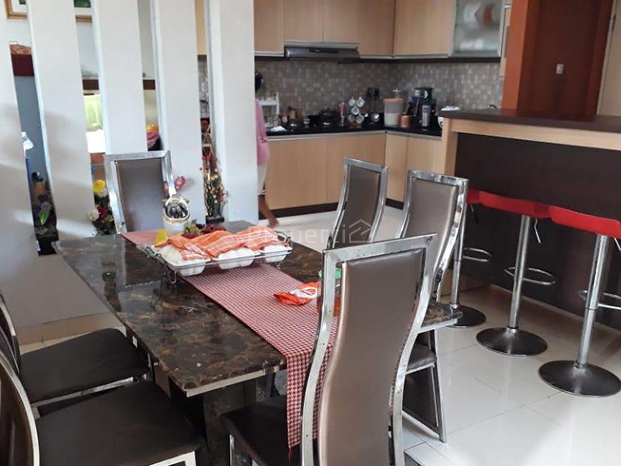 Rumah 2 Lantai dalam Cluster di Hunian Elite Cibubur, Gunung Putri