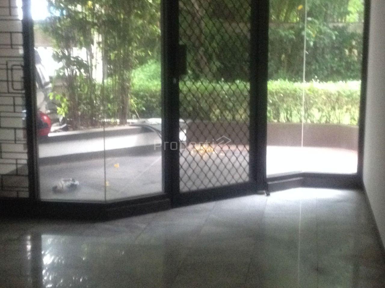 Rumah 2 Lantai dengan Kolam Renang di Pondok Indah, Jakarta Selatan