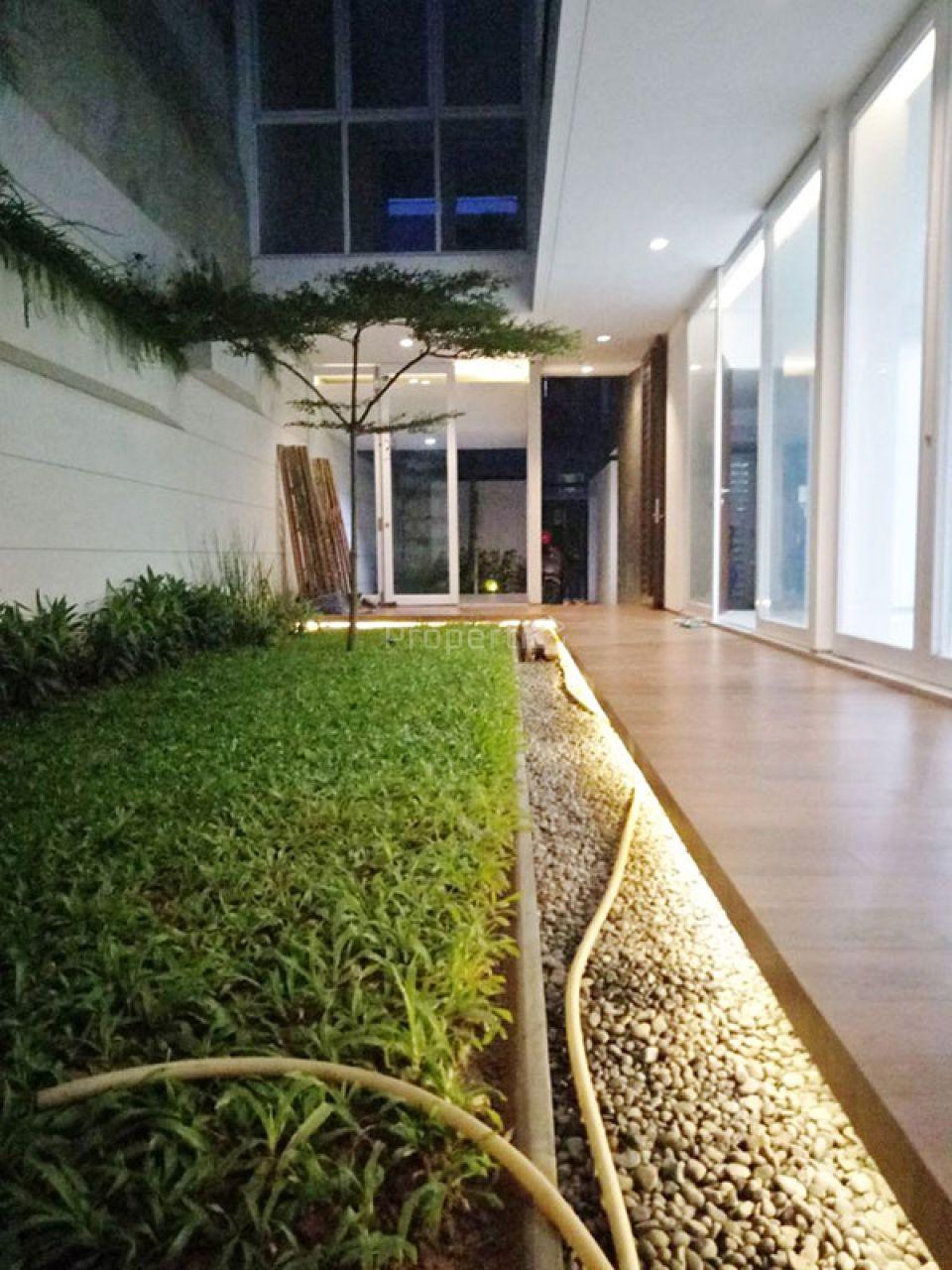Rumah 2 Lantai di Jl. Jambore, Cibubur, Jakarta Timur, DKI Jakarta
