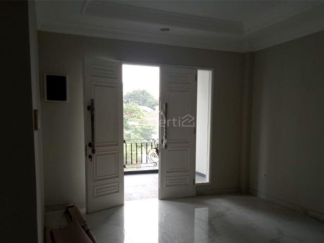 Rumah Baru 3 Lantai di Tengah Kota Sekitar Mampang, Jakarta Selatan