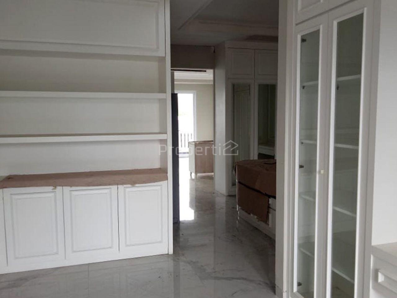 Rumah Baru 3 Lantai di Tengah Kota Sekitar Mampang, DKI Jakarta