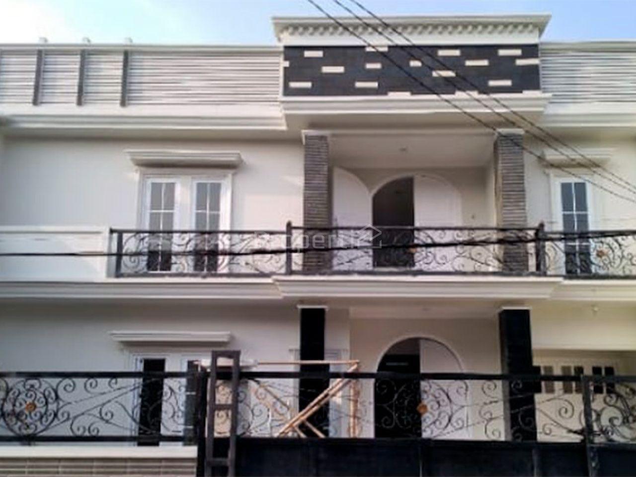 Rumah Baru Ada Kolam Renang di Tebet Barat, DKI Jakarta
