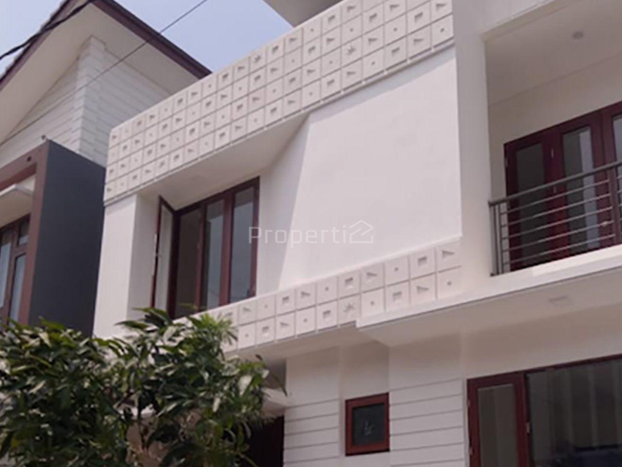 Rumah Baru 2 Lantai dengan Basement dalam Cluster di Lebak Bulus, DKI Jakarta