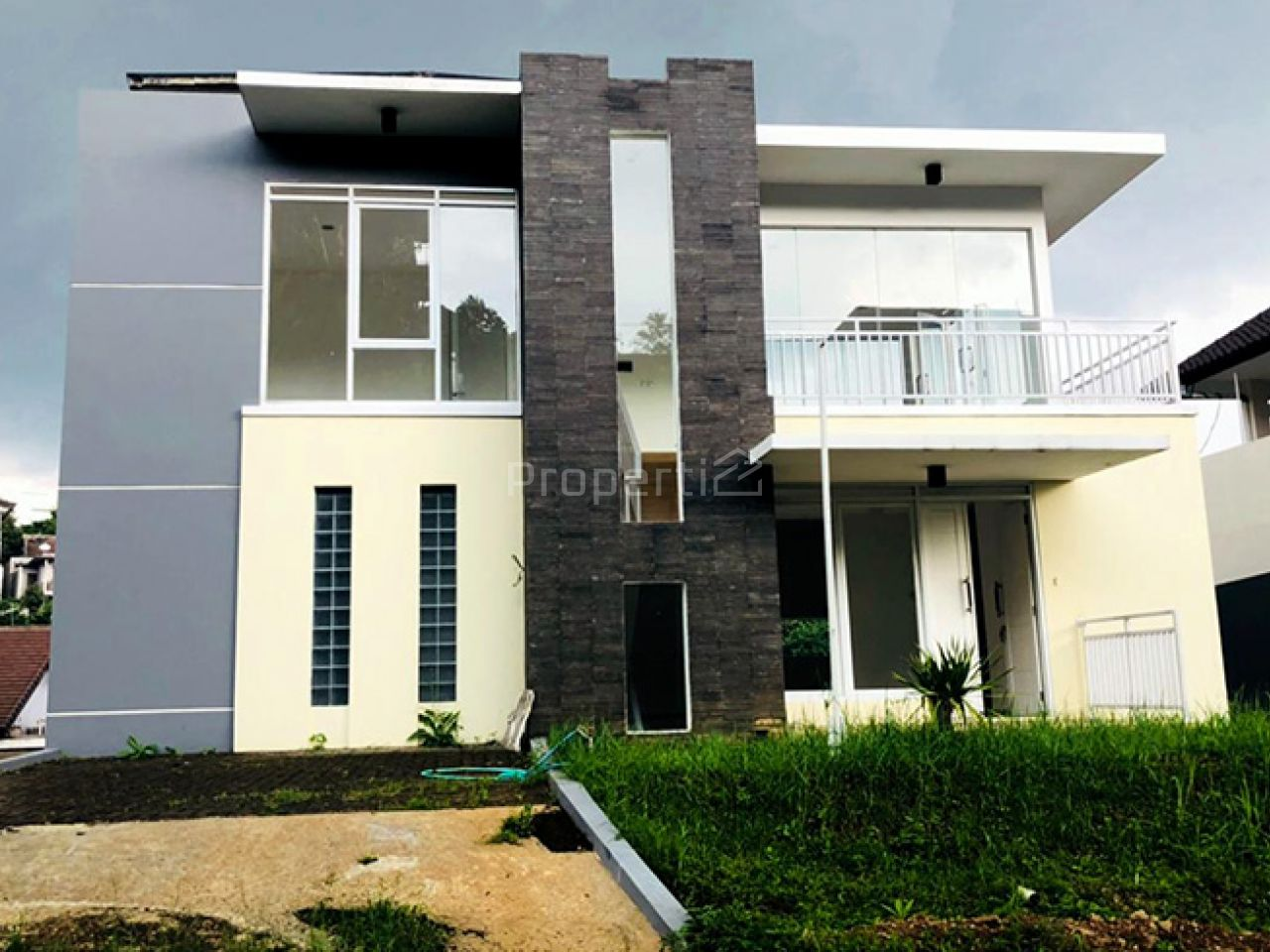 Rumah Baru di Resor Dago Pakar, Jawa Barat