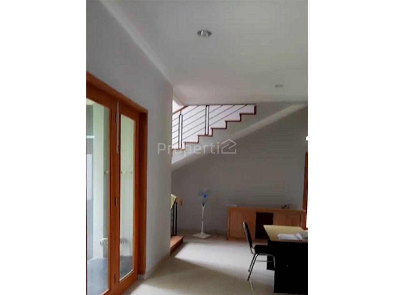 Rumah Baru Modern dalam Kompleks Elite di Yogyakarta, Di Yogyakarta
