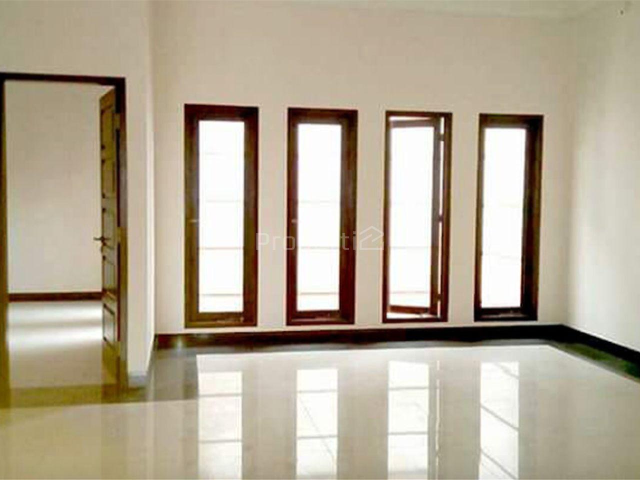 Rumah Baru 2 Lantai, Strategis di Sekitar SCBD, Jakarta Selatan