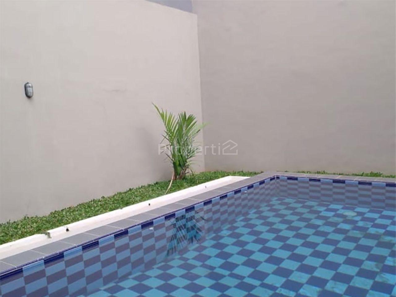 New House at Tebet Barat, Jakarta Selatan