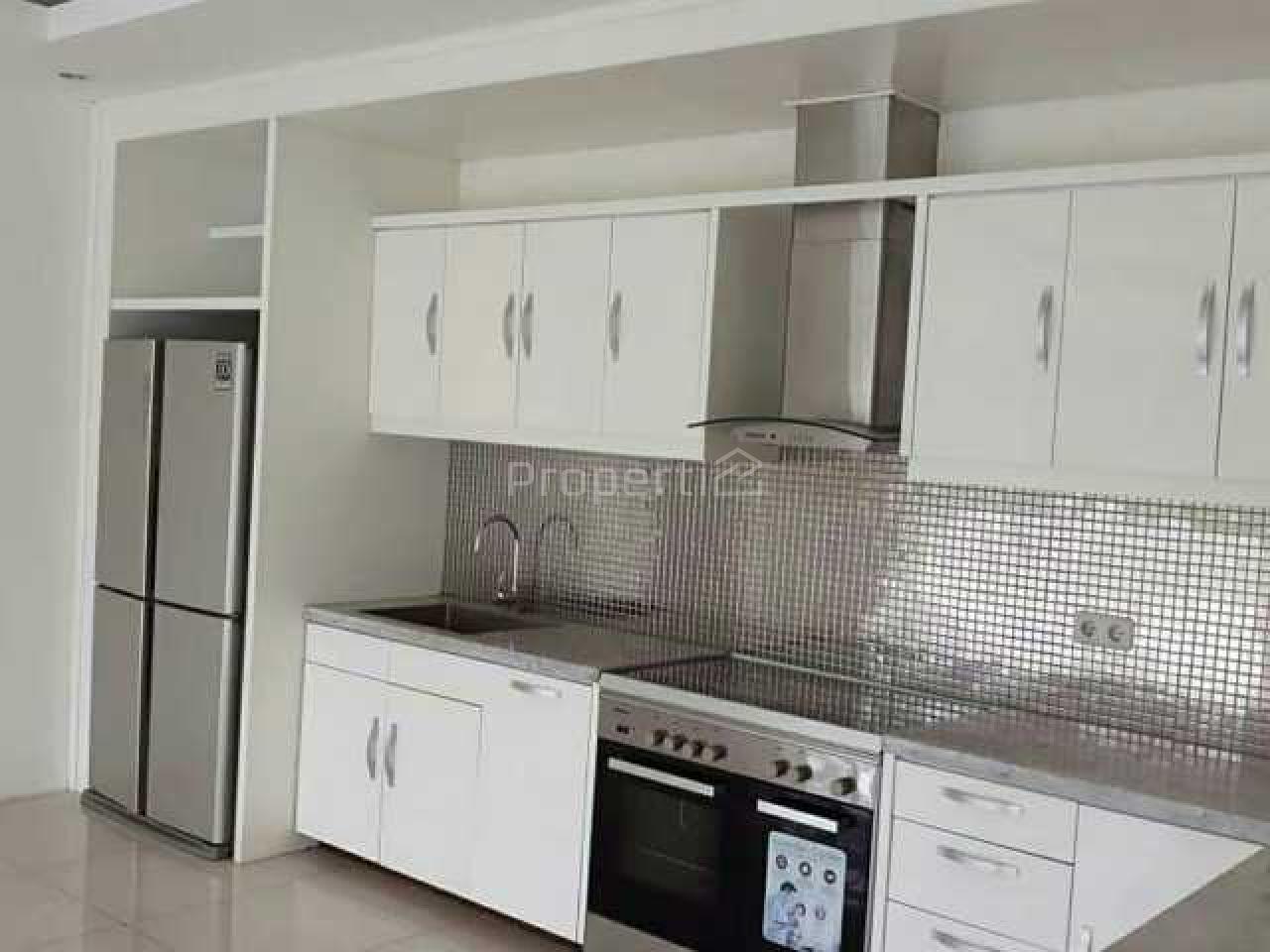 Rumah Baru Minimalis 3 Lantai di Cilandak, Cilandak