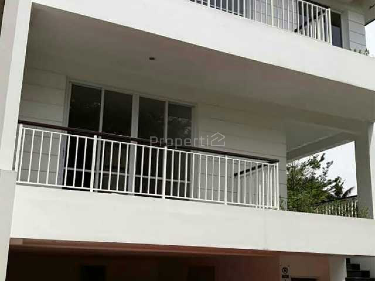 Rumah Baru Minimalis 3 Lantai di Cilandak, DKI Jakarta