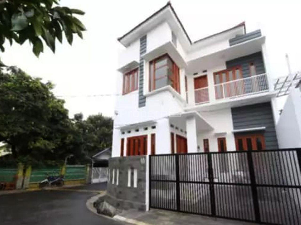Rumah Baru di Pejaten Timur, Jakarta Selatan, DKI Jakarta