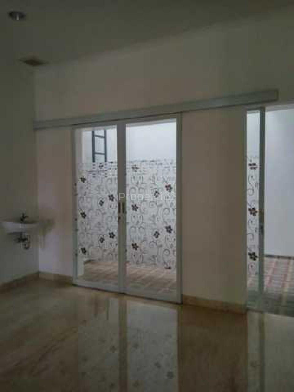 Rumah Baru Semi Furnished Siap Huni di Rawamangun, Jakarta Timur