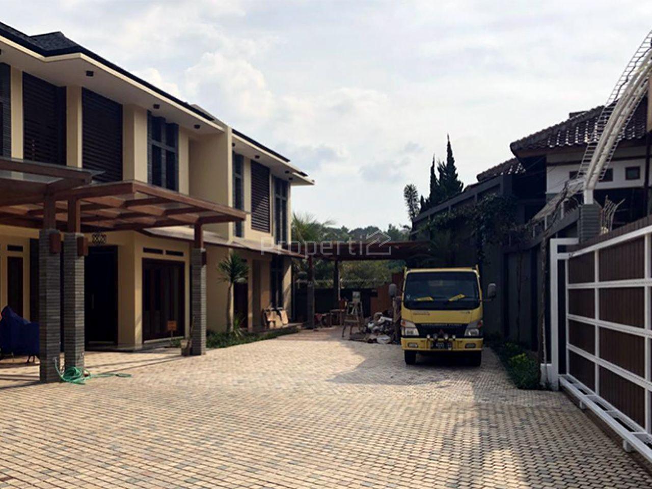 Rumah Modern di Hegarmanah, Kota Bandung, Cidadap