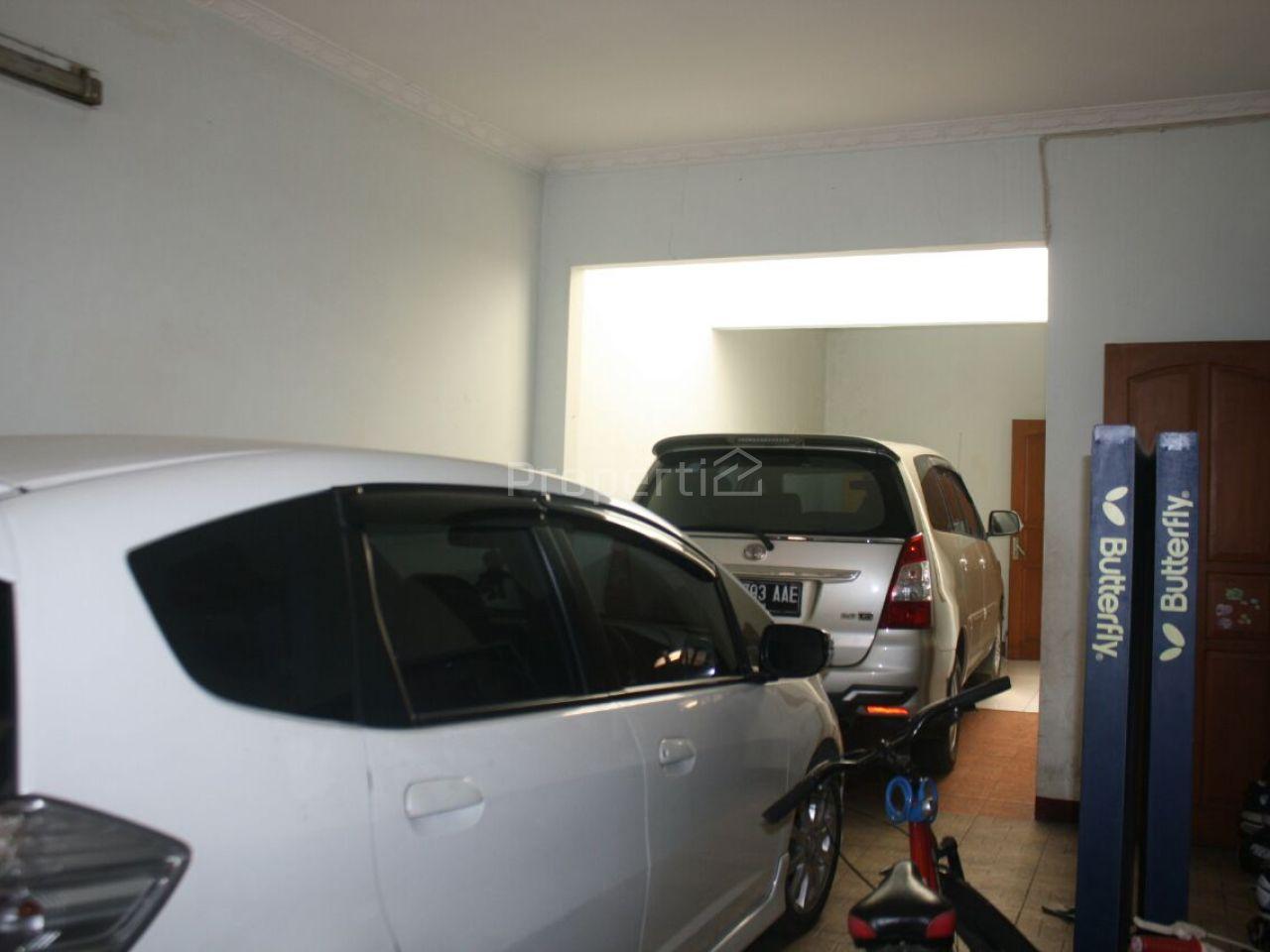 Rumah dan Lingkungan yang Eksklusif Sekitar Buah Batu, Bandung Kidul