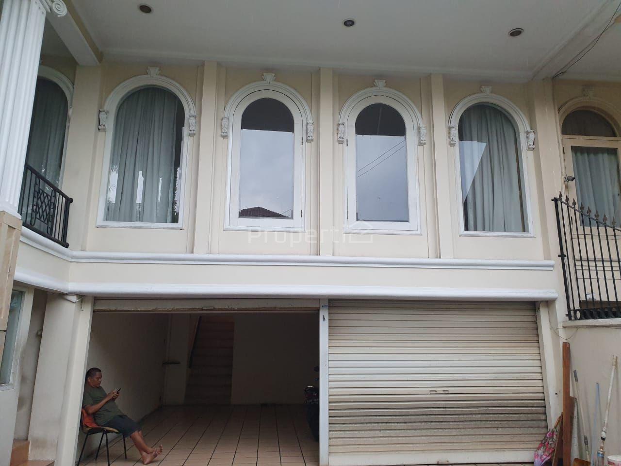 Rumah dengan Posisi Hook di Pondok Indah, Pondok Pinang, DKI Jakarta