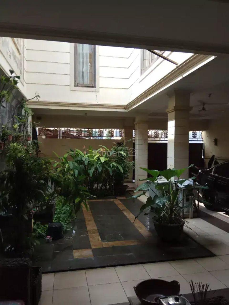 Rumah Eksklusif dan Strategis di Tebet Dalam, DKI Jakarta
