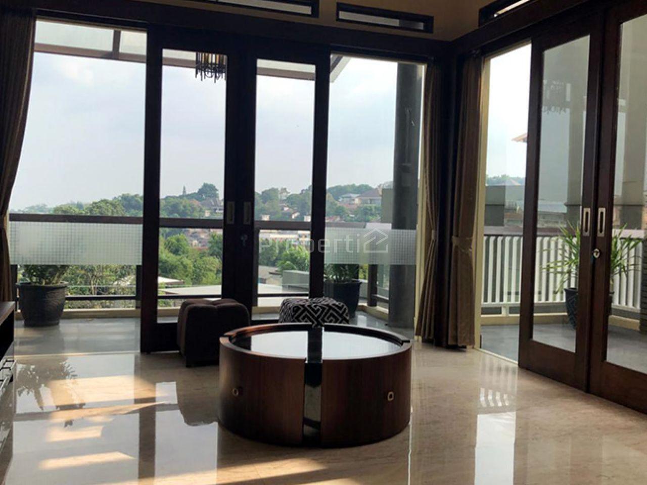 Rumah Baru Minimalis Modern 3.5 Lantai dengan Pool di Hegarmanah, Cidadap