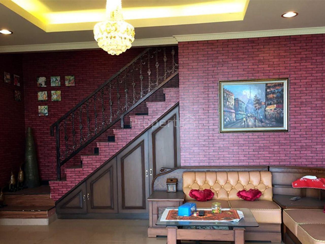 Victorian Style House at Dago Pakar Resort, Jawa Barat