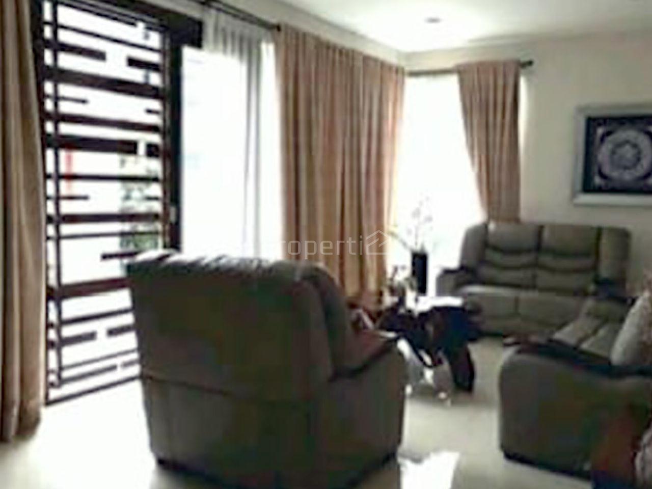 A Luxury House Hook Position in Pondok Indah, DKI Jakarta