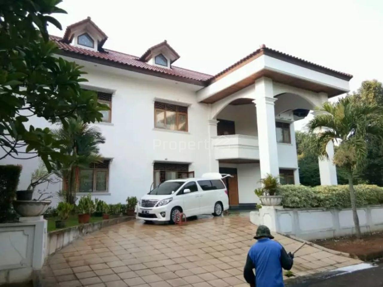 Rumah Istimewa di Lebak Bulus, DKI Jakarta