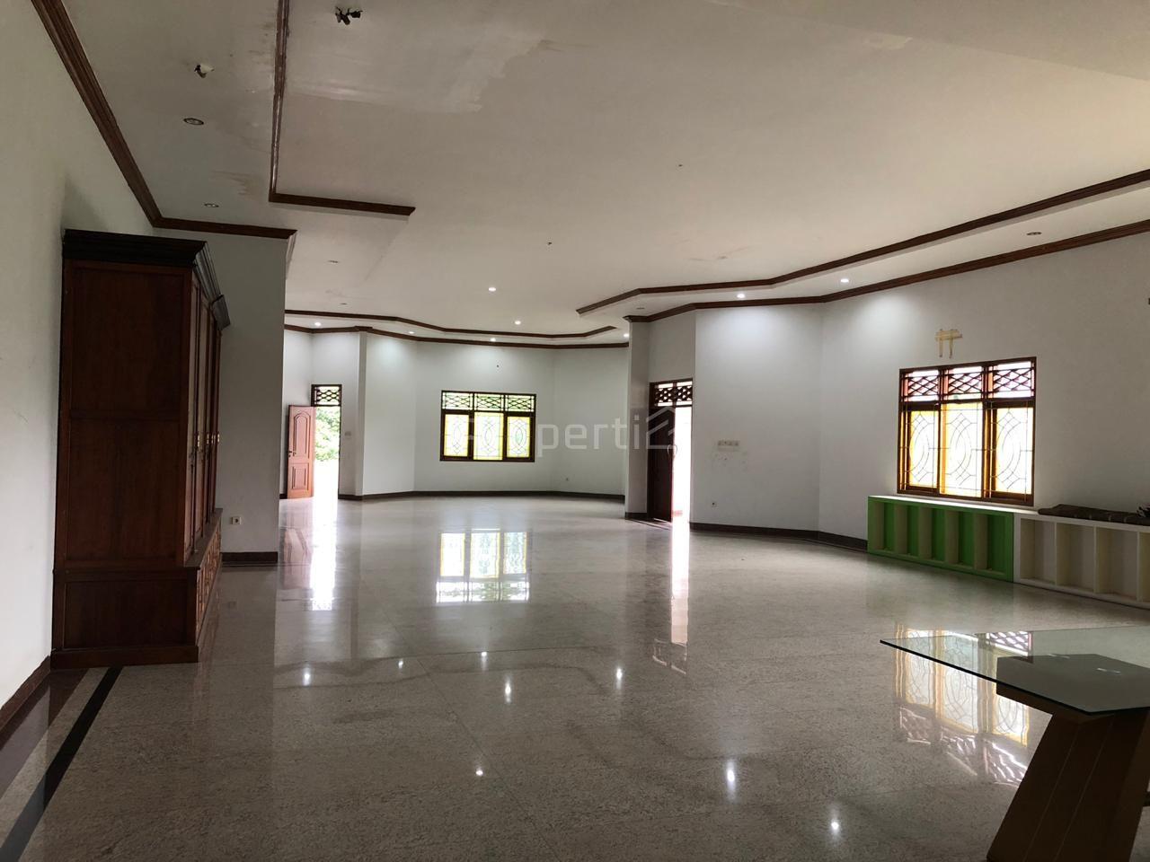 Rumah Istimewa di Lebak Bulus, Jakarta Selatan