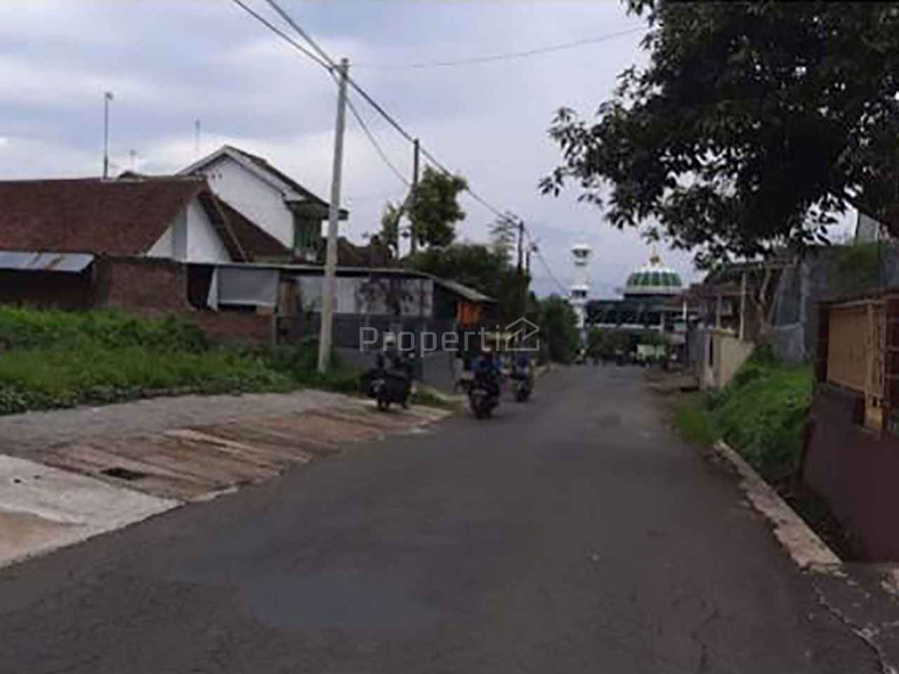 Strategic Golden Waringin Boarding House in Tirtomoyo, Malang, Pakis