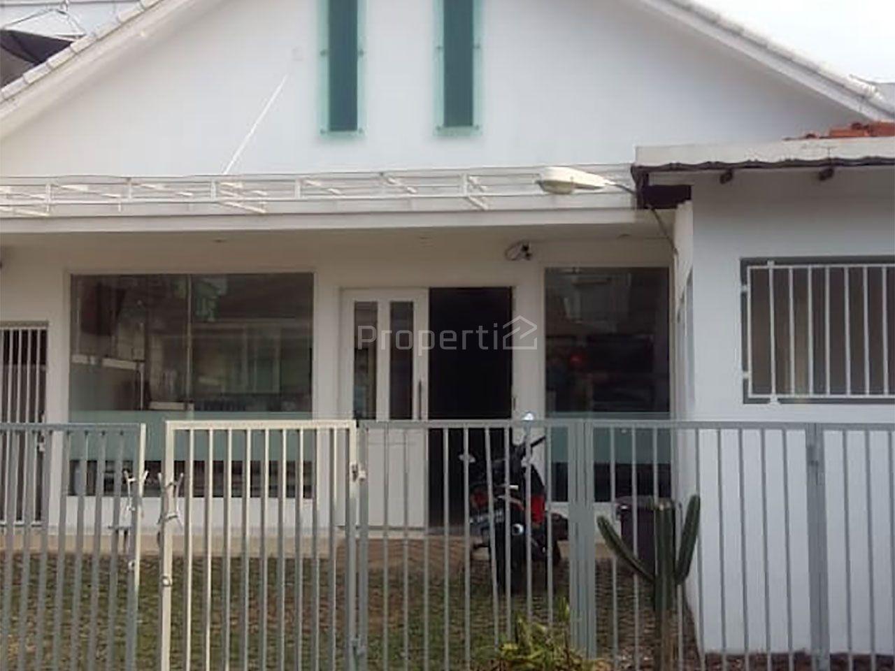 Old House at Jl. Praja, Kebayoran Lama, DKI Jakarta