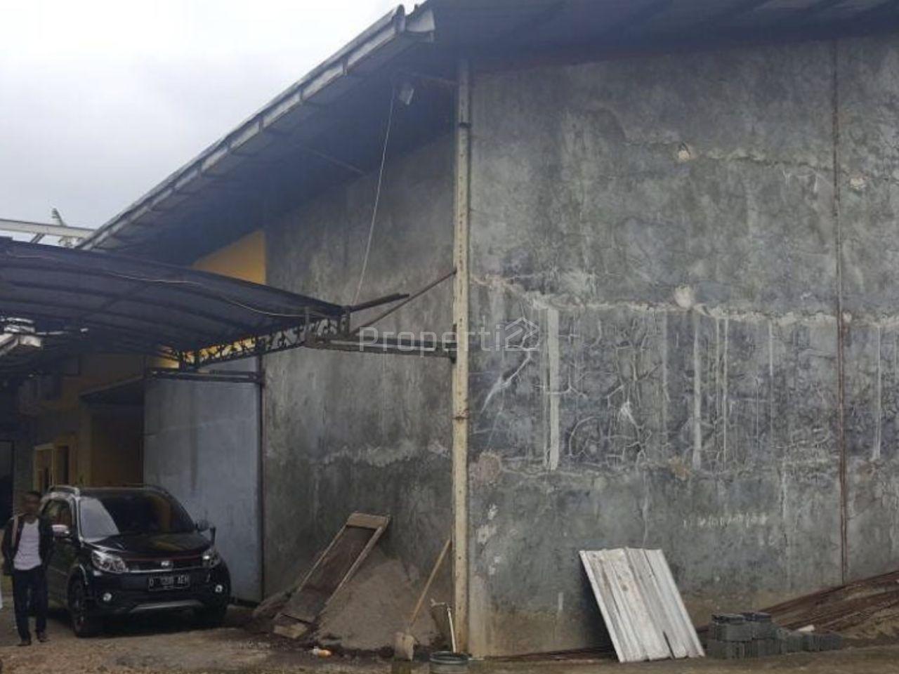 Rumah Luas Dekat Pemda Cibinong, Jawa Barat