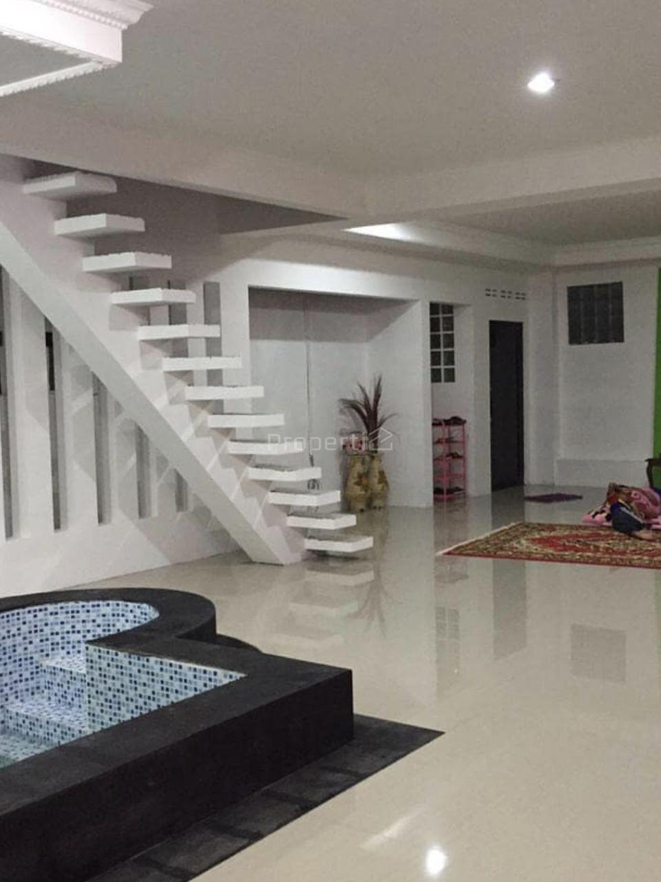 Rumah Luas Dekat Pemda Cibinong, Kab. Bogor