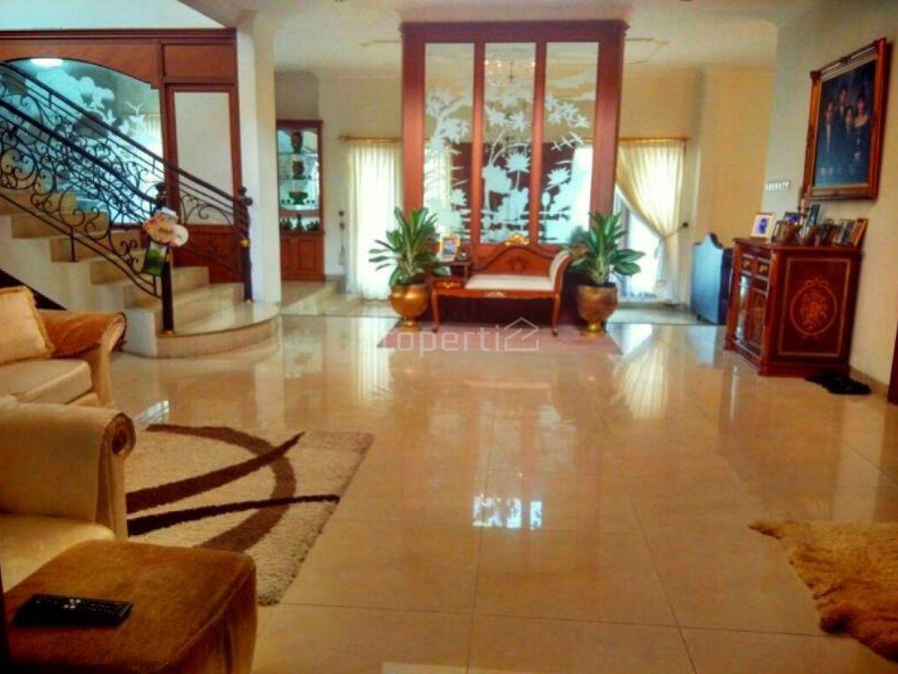 Rumah Mewah 2 Lantai di Villa Cinere Mas, Kota Depok