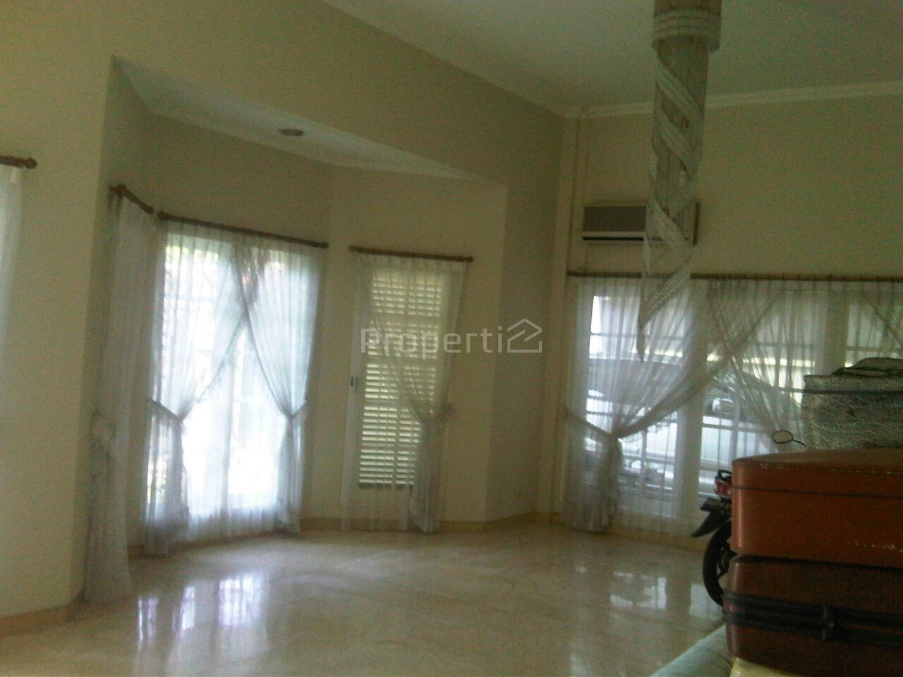 Luxury House with Swimming Pool in Cinere, Cinere