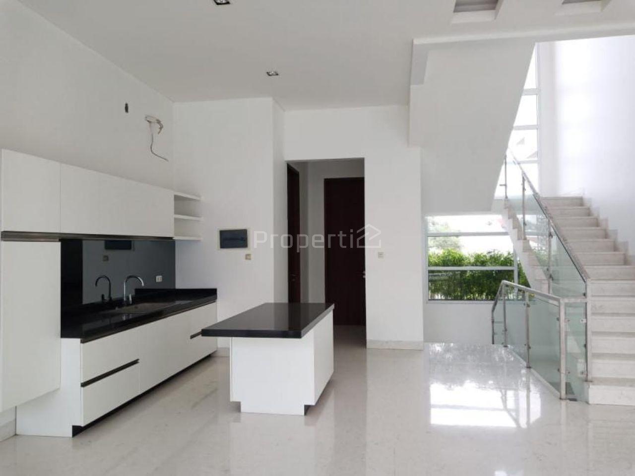 Luxury House with Swimming Pool in Permata Hijau, DKI Jakarta