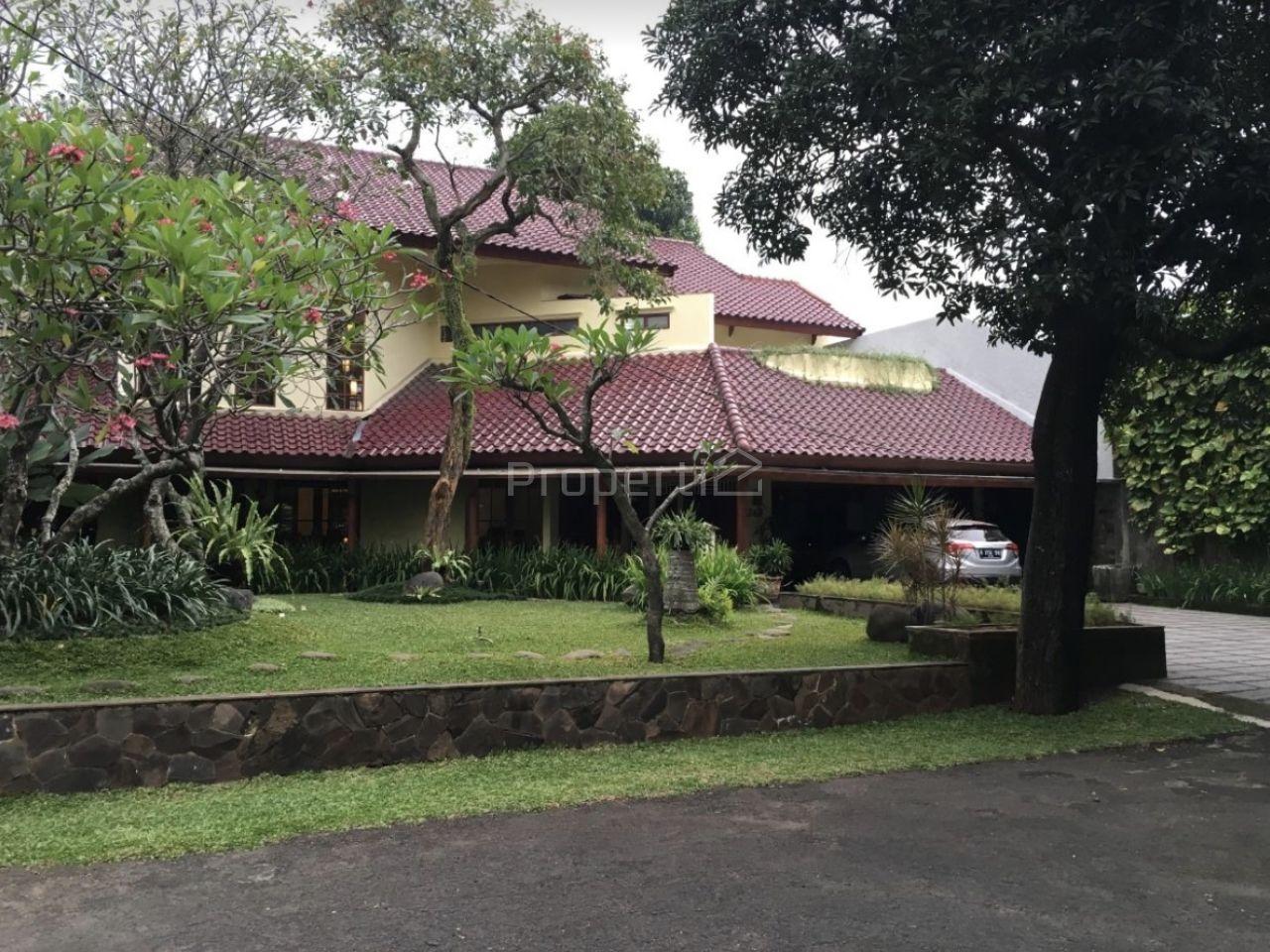 Rumah Mewah dalam Kompleks di Cipete, DKI Jakarta