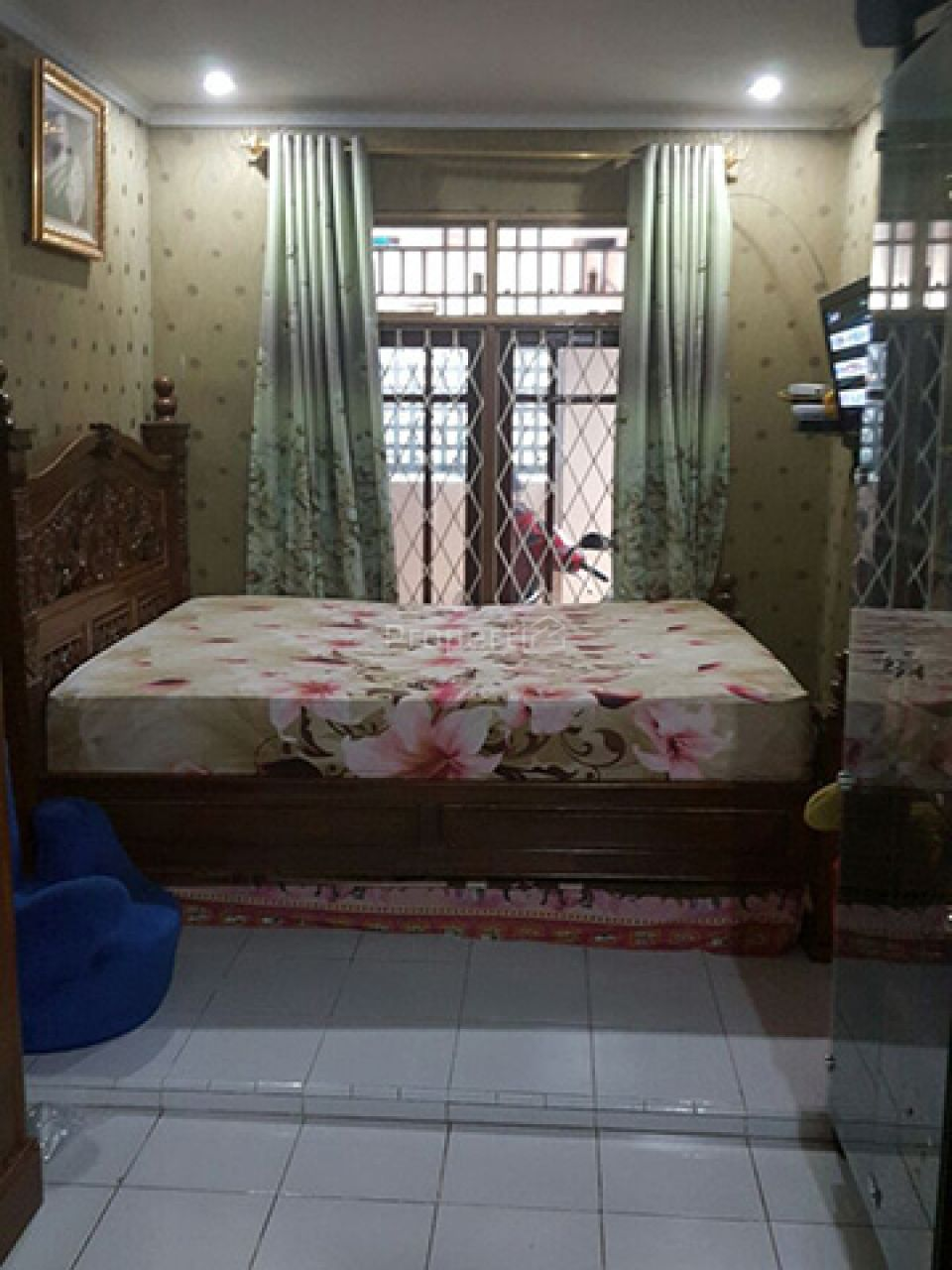 Minimalist and Strategic House in Condet, Jakarta Timur