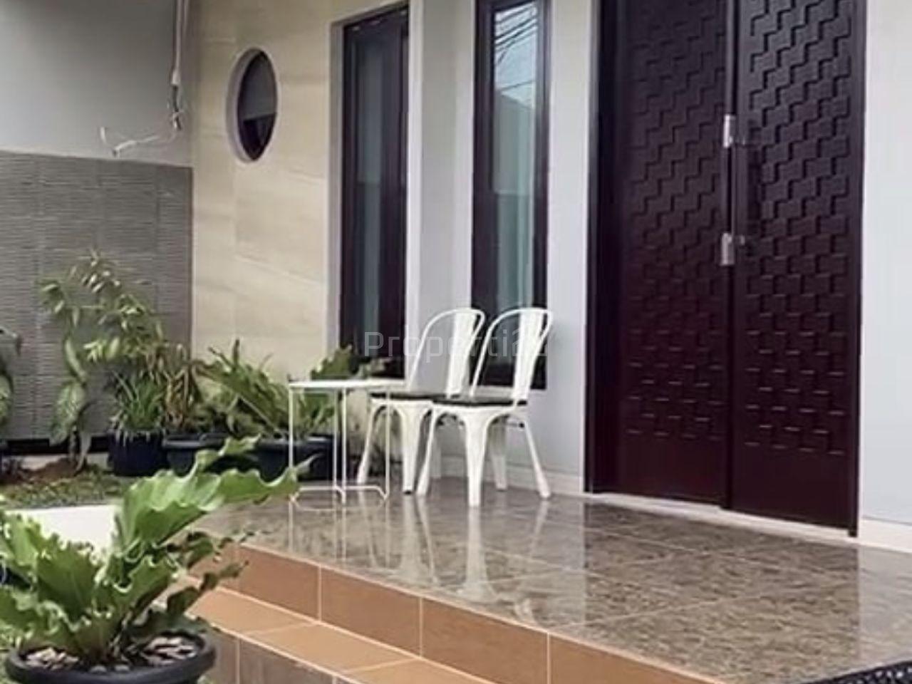 Minimalist House at Jatinegara, East Jakarta, DKI Jakarta